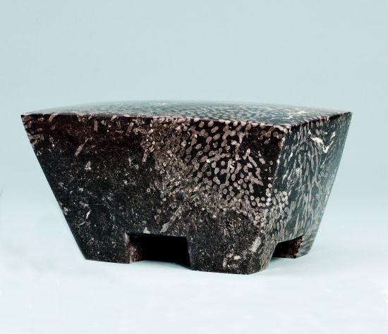 2015 Iers hardsteen Maten:14x30x18 cm.